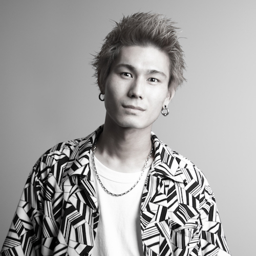 Yoshiデビュー!